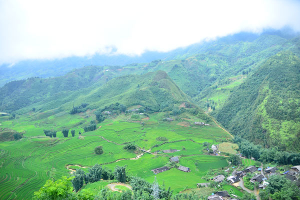 Sapa Tour by Bus from Hanoi with 2 Nights Hotel stay