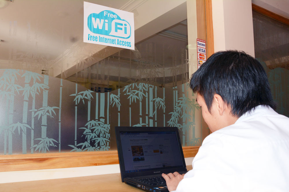 Free WiFIi and Internet Access